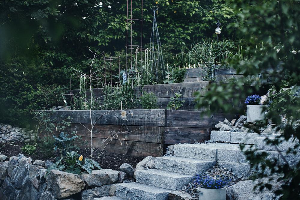 Radiofeber och terrasserade odlingslådor!