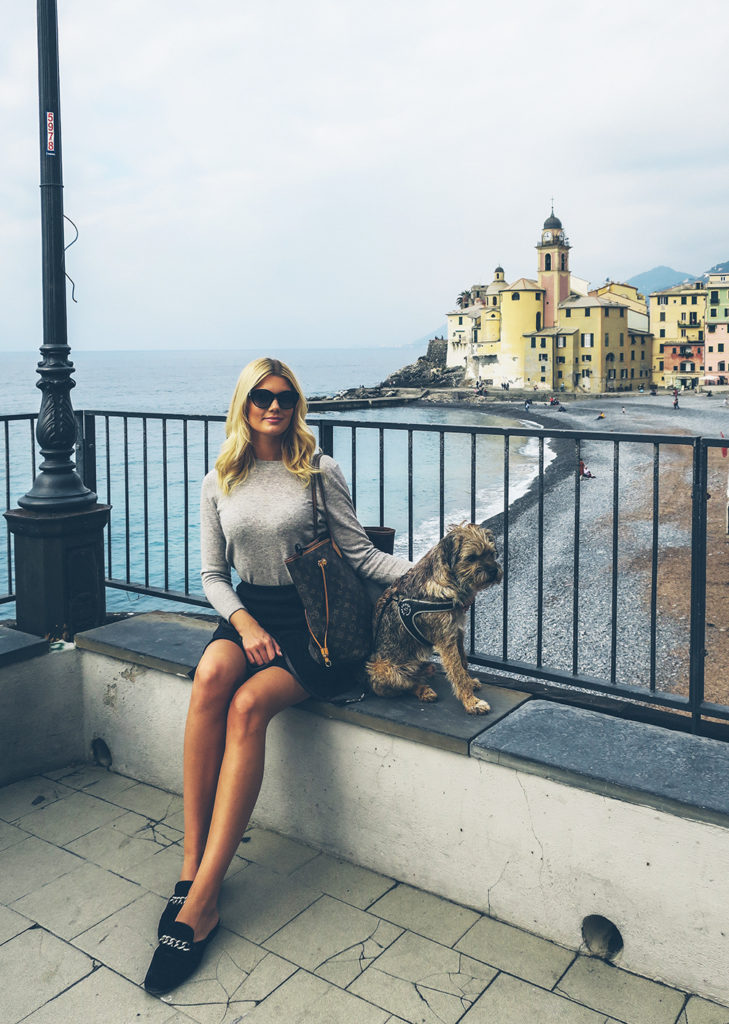 Bila med hund i Italien